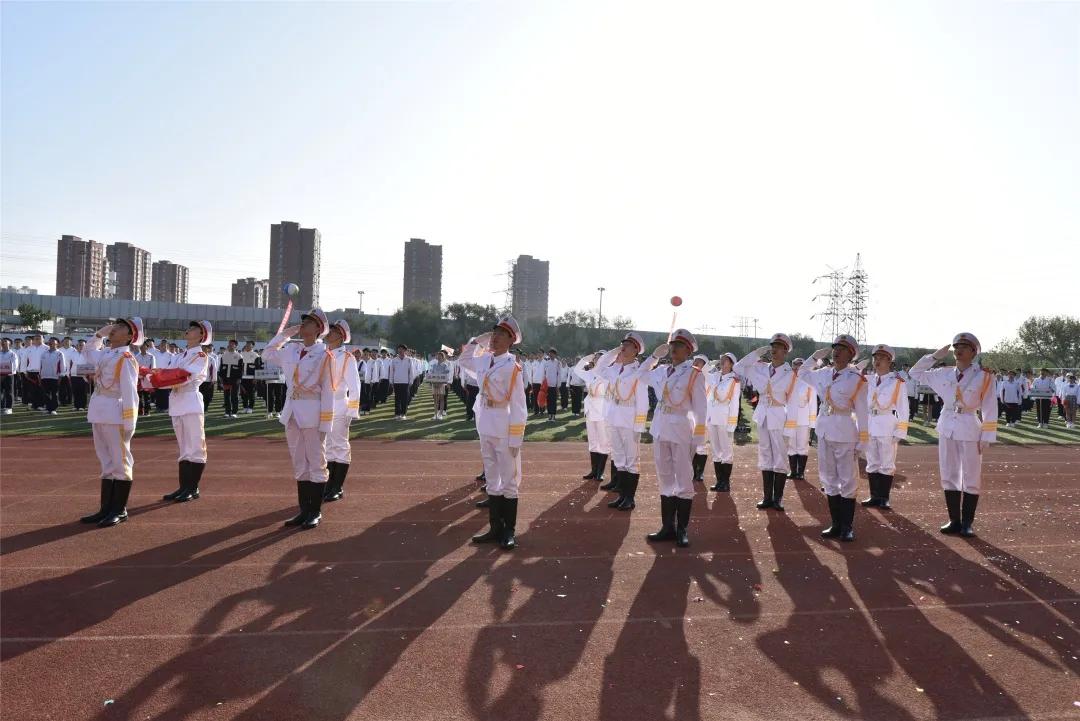 向国旗敬礼7.webp.jpg